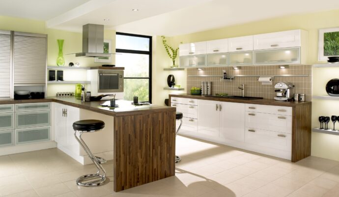 Costa Mesa Custom Kitchen, Bath, & Cabinet Remodeling Services-We do kitchen & bath remodeling, home renovations, custom lighting, custom cabinet installation, cabinet refacing and refinishing, outdoor kitchens, commercial kitchen, countertops, and more
